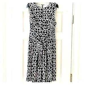 Maggy London Blk Wht Sleeveless Fit & Flare Dress